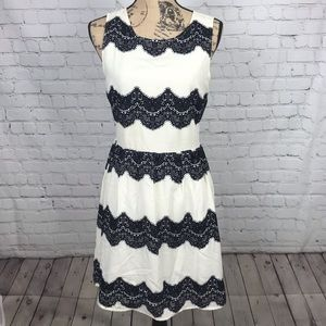 [Skies Are Blue] White And Black Lace Detail Dress